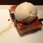 Blueberry and fig sponge