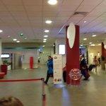 Lobby y pantalla de vuelos!!