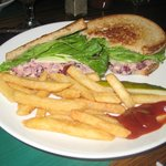 LunchSpecial ChickSaladw/CranberrysWalnutsSlicedApplesonWheatBread