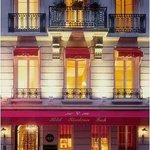 Small hotel, in a quiet street, but near many of Paris attractions