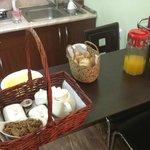 Café da manhã (você escolhe o que e quando, eles levam no quarto)