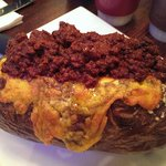Baked potato with Texas chili