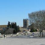 veduta con una torre della cattedrale
