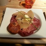 Parmesan, jambon de bayonne, foie gras abricot