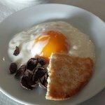 Huevo de avestruz para desayunar... te sorprenderá.