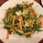 Chicken salad with green papaya