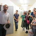 High school students from Massachusetts visit a cell at Hohenschönhausen.