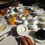Desayuno Gourmet en la terraza de la habitación