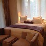 La habitación del hotel es tal y como muestran en las fotos de su web