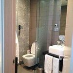 Bathroom (room 315)