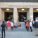 Intermission at Komische Oper: going outside for a breath of air.