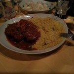 Ossobuco e risotto alla milanese, gnocchi ripieni di speck brie