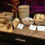 sniadanie w hotelowej restauracji