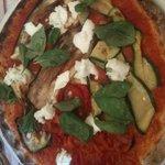 Pizza ortolana con impasto integrale