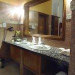 Grande Salle de bain ouverte sur la chambre