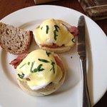 Fantastic Eggs Benidict