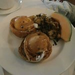 Filet-mignon Eggs Benedict (brunch)