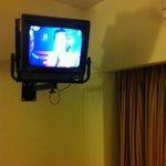Tv antiga, só funciona em um canal