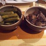 Cornichons et champignons pour accompagner la raclette