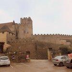 Murallas y Torre del Homenaje.