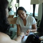 Hand Massage by Fernanda