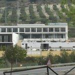 Vista del hotel desde la Via Verde