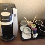 Keurig Cofee maker with coffee and tea