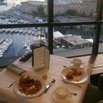 Завтрак вид на гавань