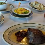 Filet, broccoli au gratin, potatoes & peas