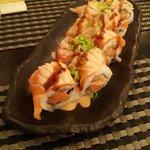 Maki Spicy Salmon Tataki
