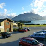 Queenstown Motel Apartments, Blick vom umlaufenden Balkon