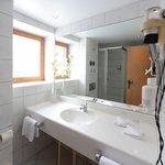 Große, helle Badezimmer