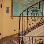 scale interne alla Residenza per raggiungere le suite