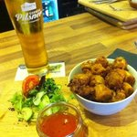 Calamari and sweet chilli dip and side salad, oh and pint to wash it down.