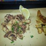 fritto di calamari freschi