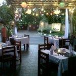 Laroz Cafe & Karaoke Foto