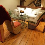 comfortable shabby chic lounge seating
