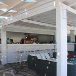 Poolside restaurant / bar