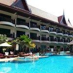 Nipa Resort pool garden
