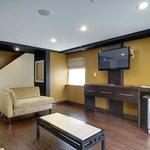Jacuzzi Suite - Living Area