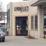 Lemonjello store front
