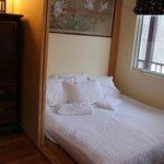 Take No Ma Suite - Garden Room window towards gazebo road