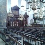 Somente os homens trabalham na sinagoga!