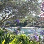 le jardin qui longe la mer
