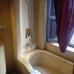Arabesque bathroom