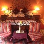 Arabesque room