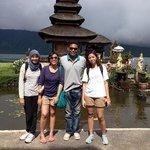 Made Magilla, my sisters and me at Pura Ulun Danu Bratan