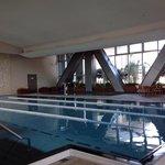 溫水游泳池,但冬天還是很冷