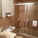Une salle de bain un peu vétuste