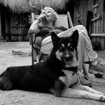Mi mamá y Lobo en el restaurante